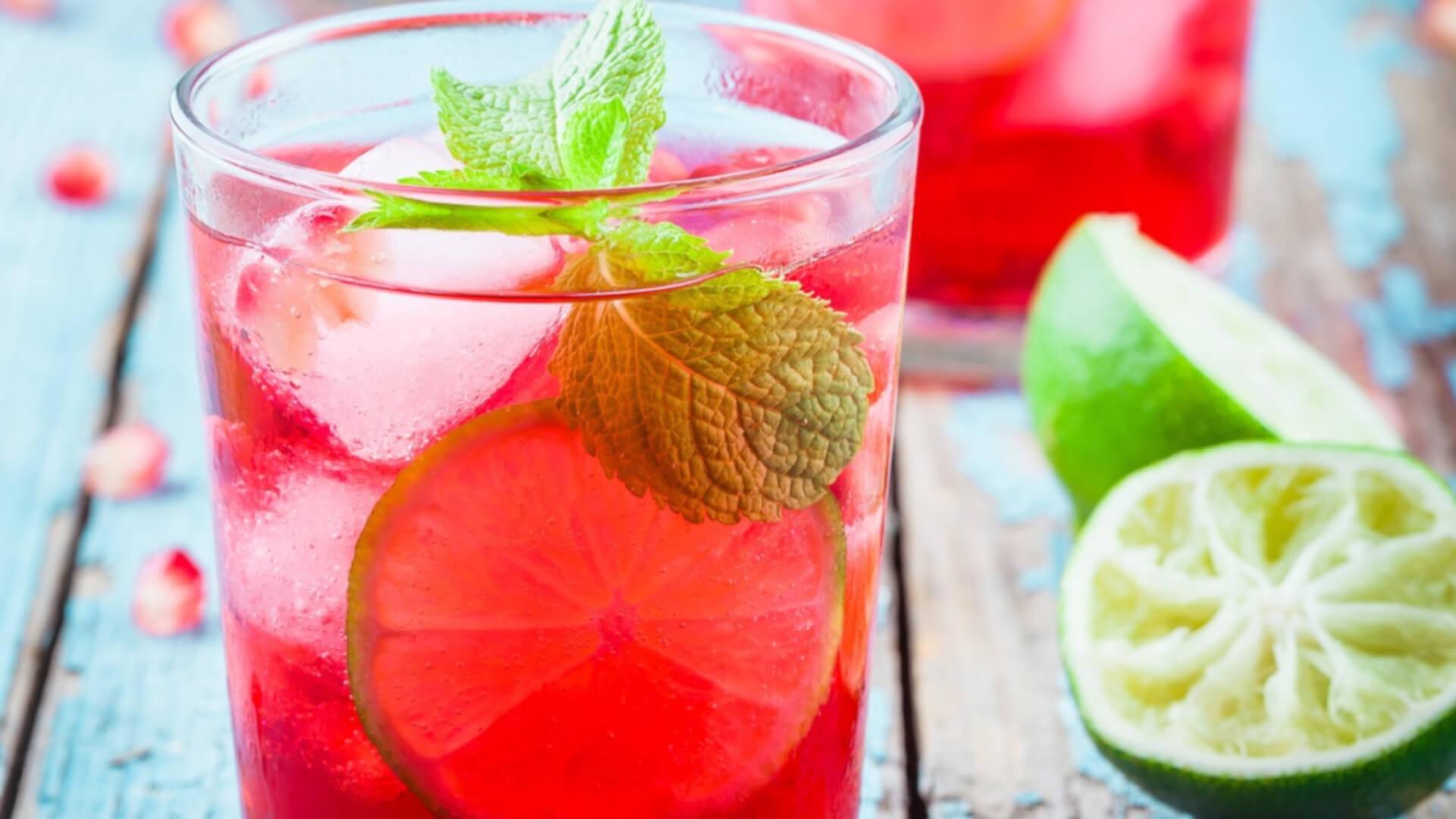 lime ingefær granatæble alkoholfri cocktail